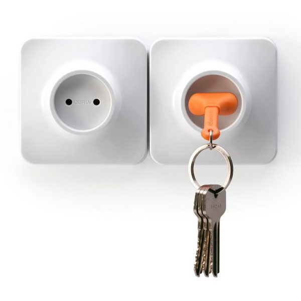 Qualy Living Styles Home Wall Decroation Unplug Keyring